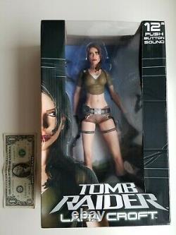 NECA 2007 Tomb Raider LARA CROFT 12 PUSH BUTTON SOUND Figure from JAPAN, Player
