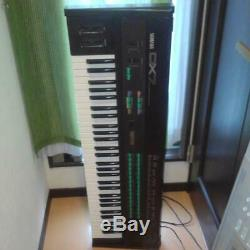 Synthesizer YAMAHA DX7 with confirmed sound output from JAPAN